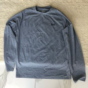 NWOT under armour men's long sleeve top